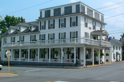 photo of the Strasburg Hotel